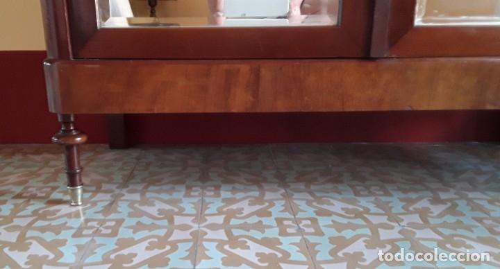 Antigüedades: Habitación completa caoba, de J.M.Busquets (Girona). Años 30. Cama,mesilla ,armario y sillas. - Foto 18 - 181602880