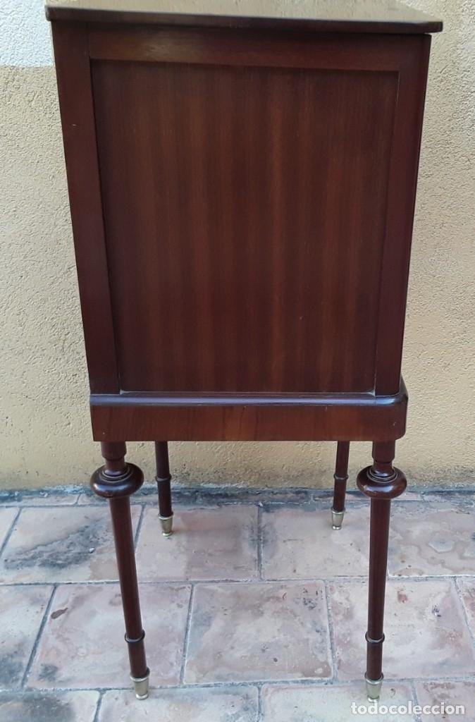 Antigüedades: Habitación completa caoba, de J.M.Busquets (Girona). Años 30. Cama,mesilla ,armario y sillas. - Foto 26 - 181602880