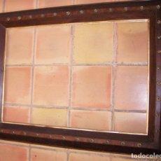 Antigüedades: EXTRAORDINARIO MARCO ANTIGUO DE MADERA MUY GRANDE INTERIOR 75X110 CM EXTERIOR 104X139 CM. Lote 181605468