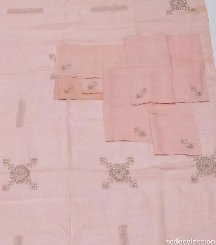Antigüedades: Mantel de hilo bordado a mano con 16 servilletas - Foto 11 - 181693322