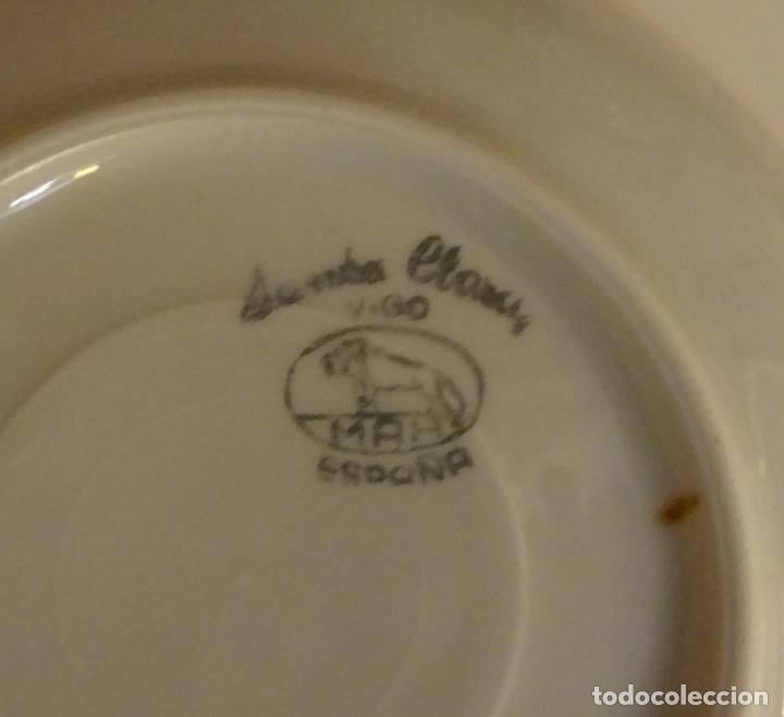 Antigüedades: JUEGO DE CAFÉ CON CAFETERA, LECHERA, AZUCARERO, 5 TAZAS Y 6 PLATOS. DECORACIÓN FILIGRANA DORADA - Foto 10 - 181745700