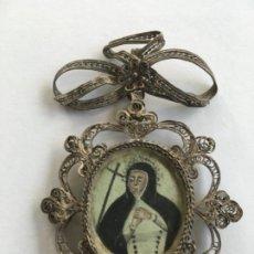 Antiquités: RELICARIO DE PLATA CON FILIGRANA Y LAZO ARRIBA. Lote 181761026