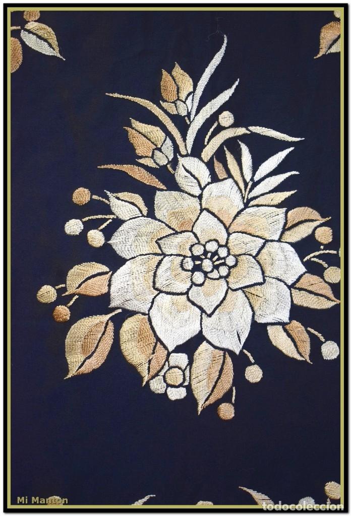 Antigüedades: Mi Mantón. Manton de Manila seda bordado a mano seda 150x150cm mas enrejado y flecos - Foto 9 - 181767017