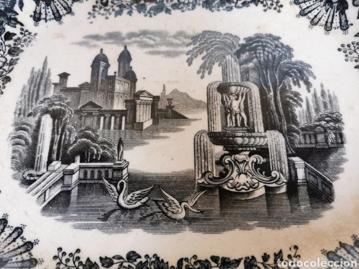 Antigüedades: BANDEJA de la Cartuja de Sevilla Pickman & CIA con dos sellos 32 x 26 cms. finales de S. XIX (Ancla) - Foto 2 - 181778841