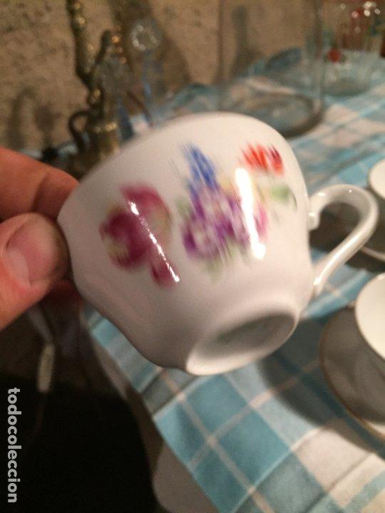 Antigüedades: Antiguo juego de café de porcelana tazas y tetera con bonito dibujo floral años 40-50 - Foto 10 - 181791473
