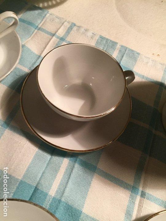 Antigüedades: Antiguo juego de café de porcelana tazas y tetera con bonito dibujo floral años 40-50 - Foto 15 - 181791473