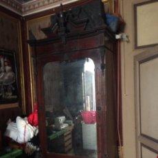 Antiguidades: ARMARIO DE CHICARANDA CON GRAN LUNA. Lote 181877693
