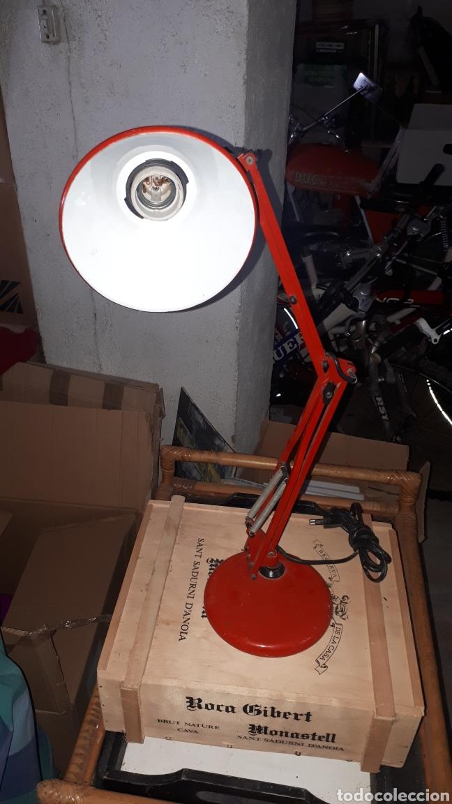 Antigüedades: Flexo rojo marca FASE completo - Foto 3 - 181892496