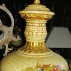 Antigüedades: ANTIGUO JARRÓN ARTESANAL HECHO EN PORCELANA. Lote 181944296