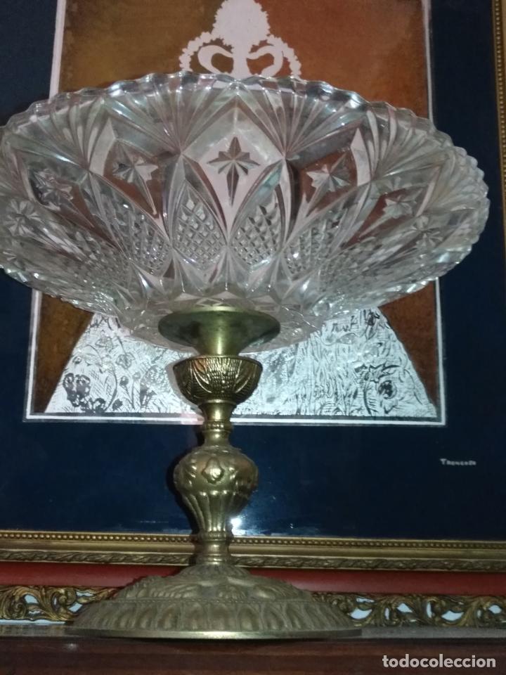 Antigüedades: Centro de mesa frutero metal y cristal o vidrio tallado - Foto 6 - 181957516