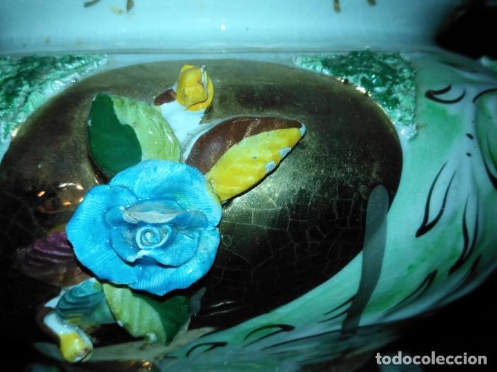 Antigüedades: Centro de mesa Pereiras Valado made in Portugal sellada sopera floral oro - Foto 3 - 181958076
