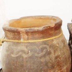 Antigüedades: EXCEPCIONAL TINAJA DE 1876 FIRMADA POR EL MAESTRO ALFARERO; FRANCISCO CURRO. T // 1876 GRANADA //. Lote 181976492