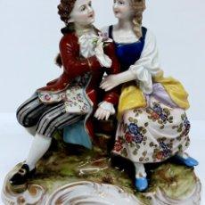 Antigüedades: EXQUISITA FIGURA S XIX EN PORCELANA VIENA - PAREJA DE ENAMORADOS. Lote 181984697