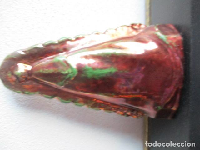 Antigüedades: Virgen del Rocio ceramica reflejos Triana - Foto 2 - 181987957