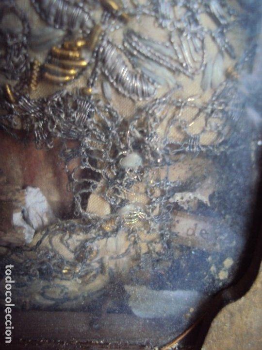 Antigüedades: (ANT-191100)ANTIGUO RELICARIO ARTESANAL MADERA Y CRISTAL - 8 RELIQUIAS - Foto 15 - 182002405