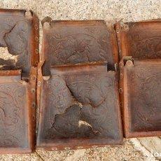 Antigüedades: 6 ASIENTOS DE CUERO REPUJADO MUY ANTIGUOS / MOTIVO: DRAGÓN. Lote 182008678