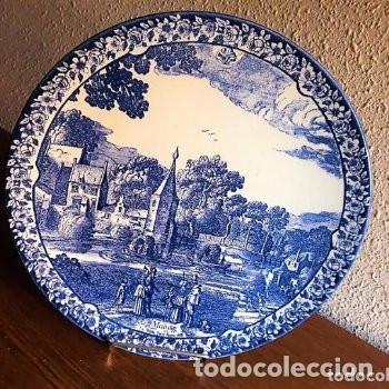 BONITO PLATO ANTIGUO DELFT BLAU MAASTRICH MADE IN HOLLAND DE 29,50 CM DE DIAMETRO SELLADO EN DORSO (Antigüedades - Porcelana y Cerámica - Holandesa - Delft)