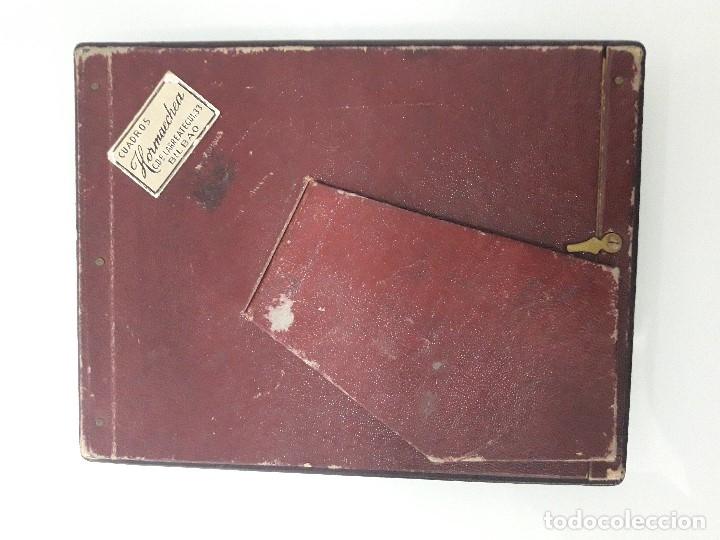 Antigüedades: ANTIGUO PORTARETRATOS DE PIEL - Color granate y borde dorado - Cuadros Hormaechea - Bilbao - Foto 4 - 182039793