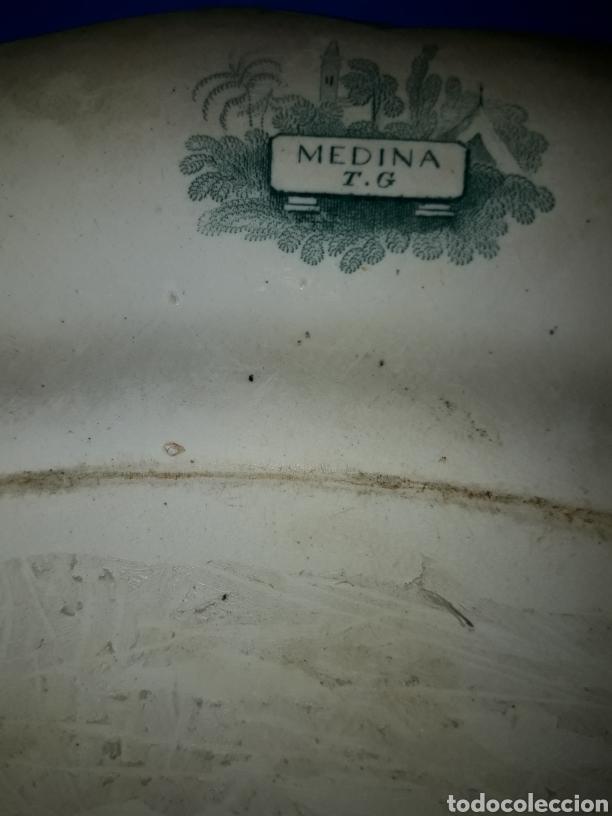 Antigüedades: Preciosa y antigua fuente de porcelana bicolor Medina TG - Foto 3 - 182044458
