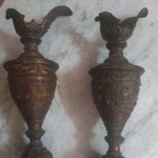 Antigüedades: PAREJA DE CANDELADROS MUY ANTIGUOS VER FOTOS PARA VER ESTADO. Lote 182075351