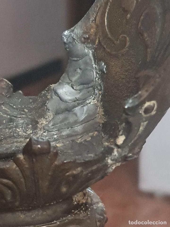 Antigüedades: Pareja de candeladros muy antiguos ver fotos para ver estado - Foto 8 - 182075351