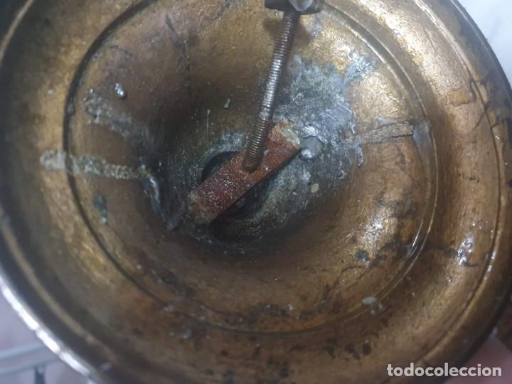 Antigüedades: Pareja de candeladros muy antiguos ver fotos para ver estado - Foto 11 - 182075351