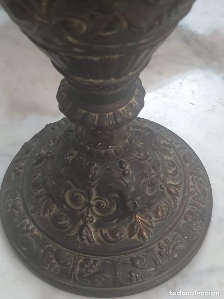 Antigüedades: Pareja de candeladros muy antiguos ver fotos para ver estado - Foto 42 - 182075351