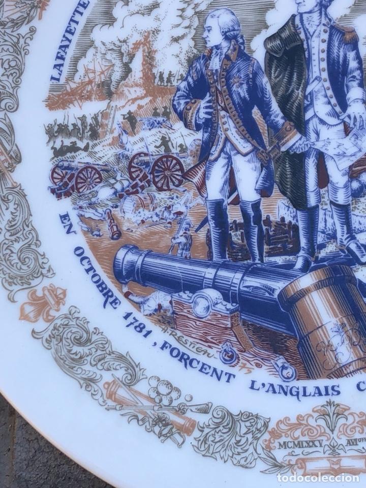 Antigüedades: Lote de 2 platos porcelana de limoges, numerada - Foto 5 - 182077306