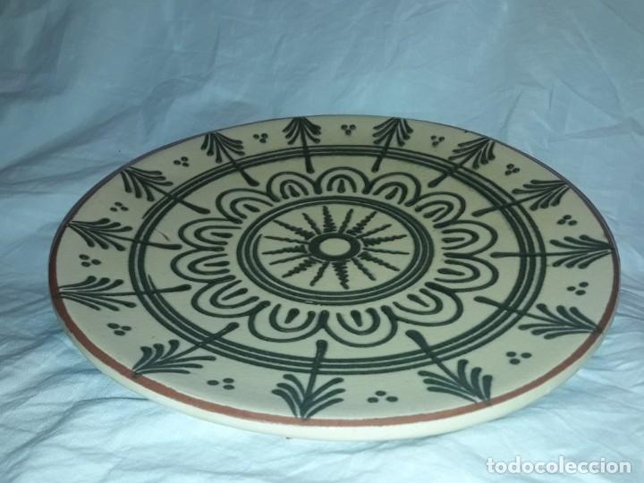 Antigüedades: Bello antiguo plato cerámica Juan Bertrán Iberia Barcelona 85 - Foto 3 - 182094457