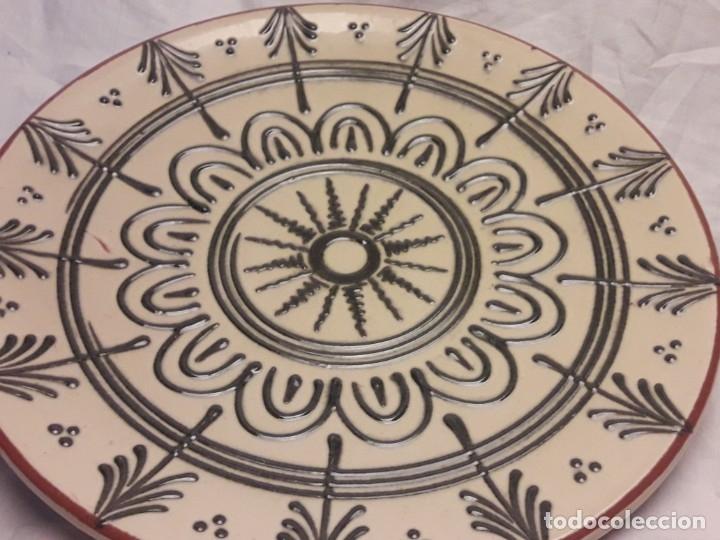 Antigüedades: Bello antiguo plato cerámica Juan Bertrán Iberia Barcelona 85 - Foto 6 - 182094457