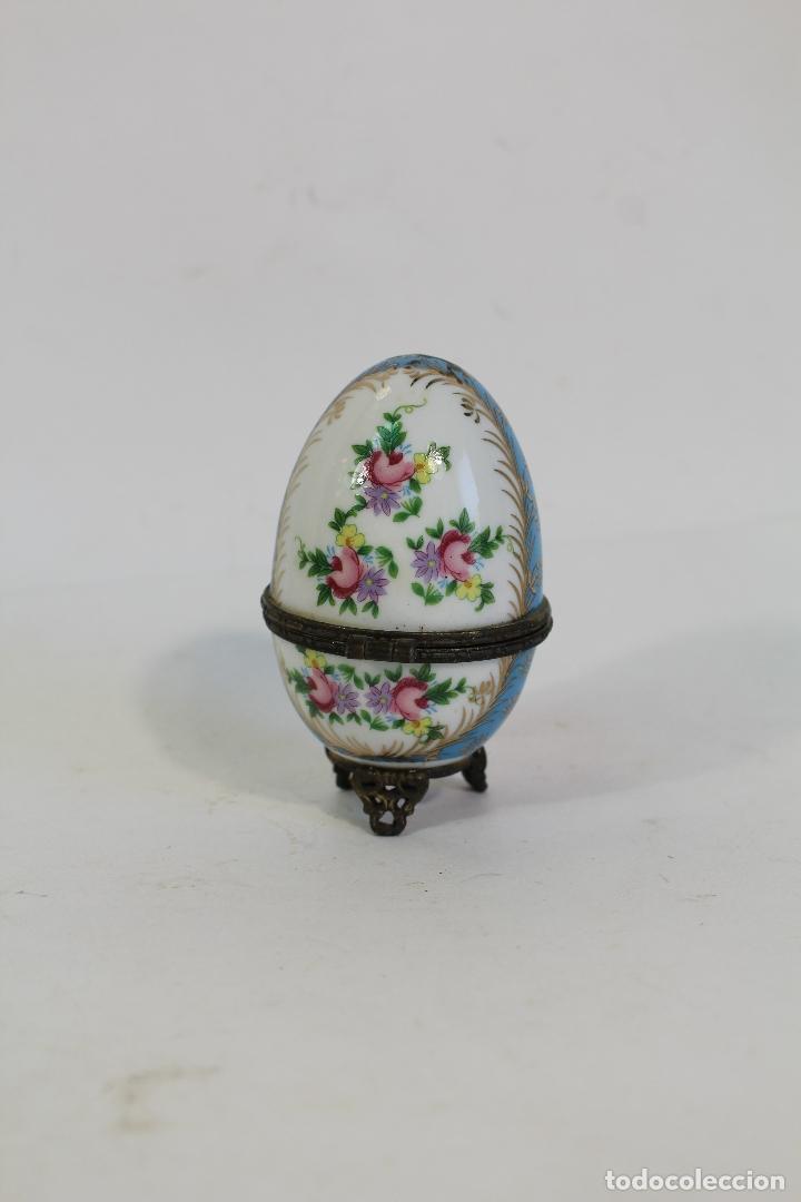 Antigüedades: huevo Caja de porcelana de Limoges pintada a mano. - Foto 4 - 182137701