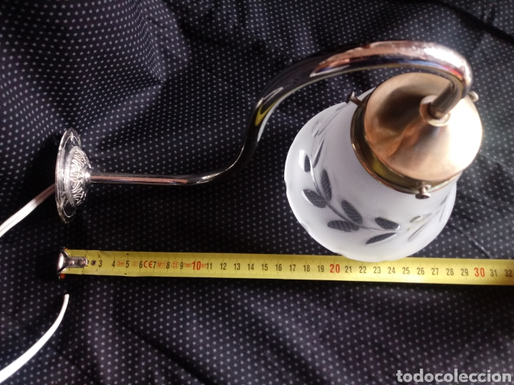 Antigüedades: Aplique o lámpara de pared con tulipa de cristal tallado - Foto 4 - 182157098