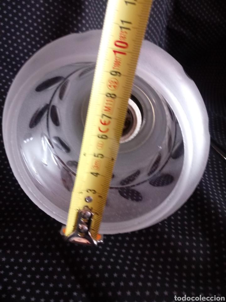 Antigüedades: Aplique o lámpara de pared con tulipa de cristal tallado - Foto 8 - 182157098