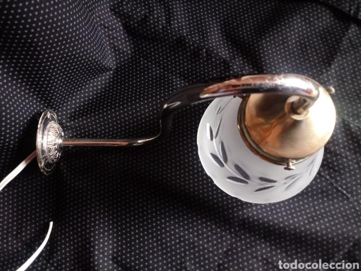 Antigüedades: Aplique o lámpara de pared con tulipa de cristal tallado - Foto 11 - 182157098