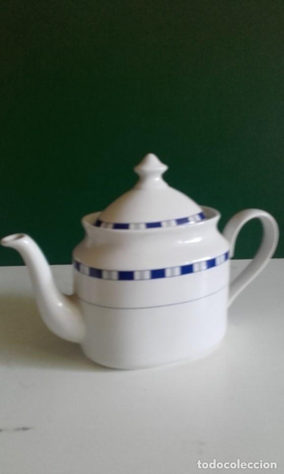 Antigüedades: JUEGO DE CAFÉ DE PORCELANA FINA / 8 TAZAS, 8 PLATOS, CAFETERA, LECHERA /NUEVO - Foto 2 - 182169411