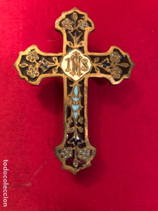 ANTIGUA CRUZ EN BRONCE CON ESMALTE CLOISONNE. S.XIX (Antigüedades - Religiosas - Cruces Antiguas)