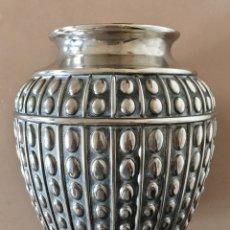 Antigüedades: FLORERO JARRON DE ESTANO VINTAGE. Lote 182258503