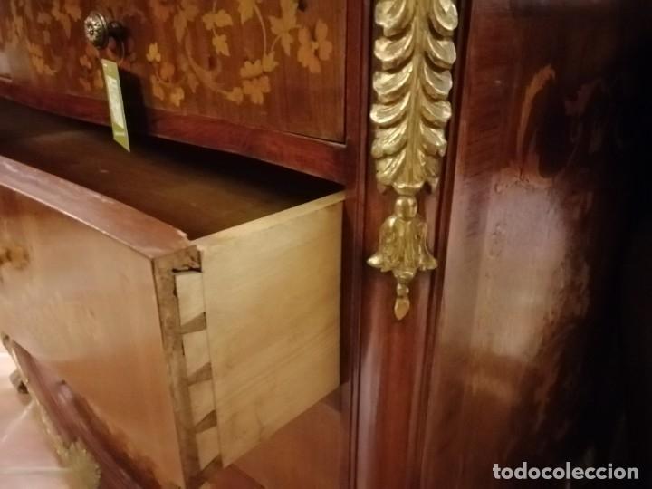 Antigüedades: COMODA LLENA DE MARQUETERIA Y POLICROMADOS - Foto 7 - 50361210