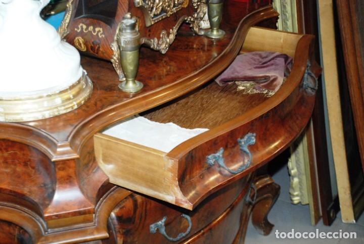 Antigüedades: MUY BONITA CÓMODA DE MADERA DE RAÍZ - Foto 14 - 151086798