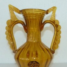 Antigüedades: JARRÓN DE CRISTAL MALLORQUÍN COLOR AMBAR.. Lote 182281647