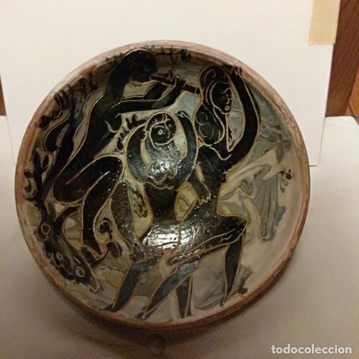Antigüedades: Plato acuencado Pedro Mercedes con decoración delante y detrás, diferentes entonces. Firmado - Foto 3 - 182293127
