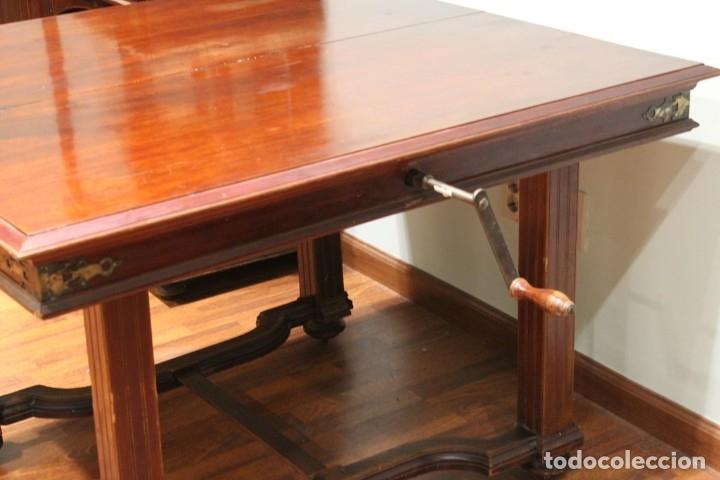 Antigüedades: Comedor inglés, años 20, caoba,dos aparadores, mesa y ocho sillas. - Foto 10 - 182293800