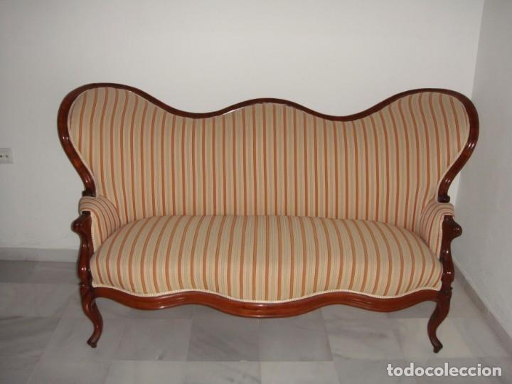 Antigüedades: Antiguo Sofá o Tresillo Isabelino de Caoba. S.XIX. Caoba maciza. Restaurado y tapizado. Impecable. - Foto 2 - 182310720