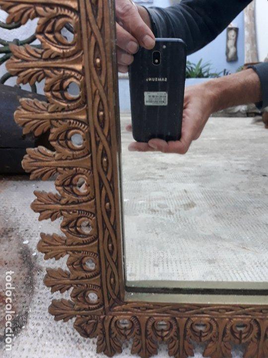 Antigüedades: Antiguo espejo de bronce para colgar en pared - Foto 5 - 182310803