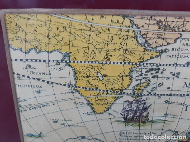 Antigüedades: Revistero con lamina de mapa Antiguo- bronce y hierro- Años 50 - Foto 5 - 182312323