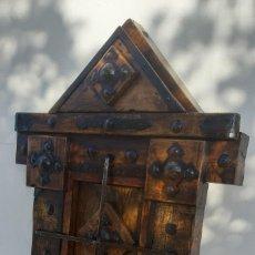 Antigüedades: REJA DE MADERA Y FORJA. Lote 182351353