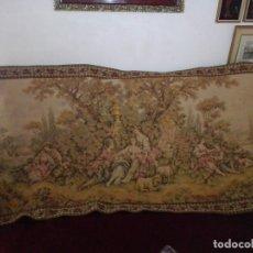 Antigüedades: ANTIGUO Y GRANDE TAPIZ ROMÁNTICO.. Lote 182353332