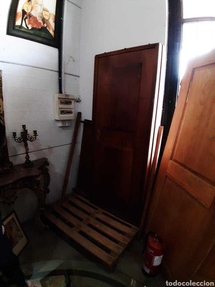 Antigüedades: impresionantes puertas de nogal de corredera gran grosor - Foto 2 - 122157128