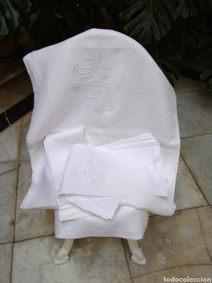 MANTEL DE HILO ADAMASCADO SIGLO XIX 160 X 240 CM CON SERVILLETAS (Antigüedades - Hogar y Decoración - Manteles Antiguos)