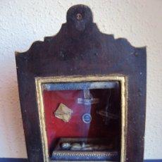 Antigüedades: (ANT-191108)ANTIGUA CAPILLA RELICARIO - CRISTO DE CERA Y RELIQUIAS . Lote 182371408